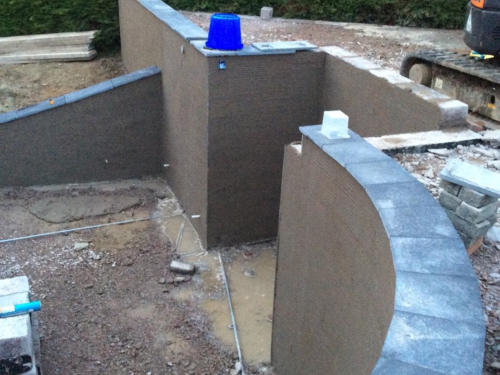 Gardent wall contruction lochgilphead